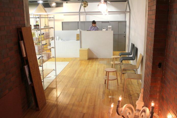 Dot+LIM Hair Salon in Omotesando