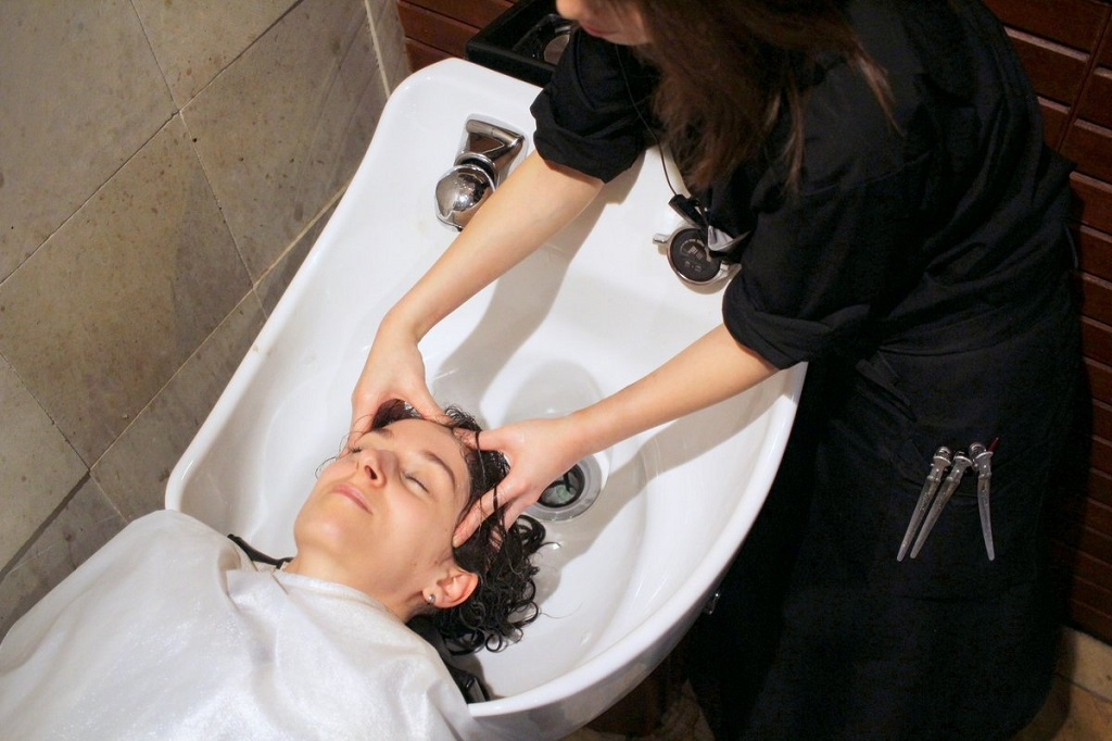 Salon INSOLITE BEAUTE package - Picture 6 - Head spa with scalp massage