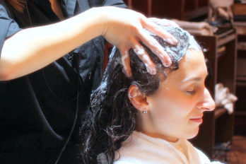 Aromatic Cream Head Spa To Soothe an Itchy Scalp and De-Frizz Hair in Tokyo