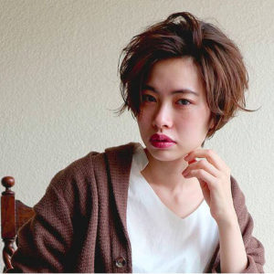 Sophisticated Japanese hairstyle for women - short hair (by Nepenji salon, Tokyo)