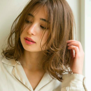 Japanese hairstyle for women- medium hair (by Salon Apish Cherie , Tokyo)