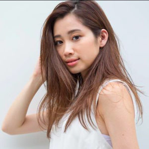 Japanese hairstyle for women- long hair (by Salon NORA , Tokyo)