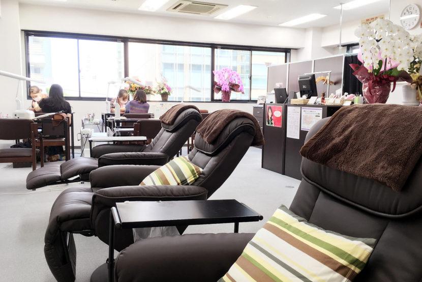 Gel nail salon Asian in Shibuya, Tokyo