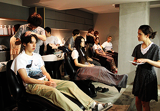 Hair Stylist Training Program at Top Tokyo Hair Salons
