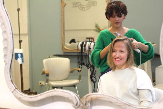 Parte superior 5 Que hay que probar populares en Tokio Hair Salon Servicios en Japón