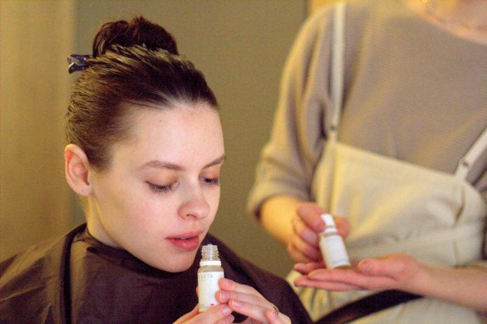 Revive et de désintoxication des cheveux dévitalisés avec une tête organique Spa à Tokyo